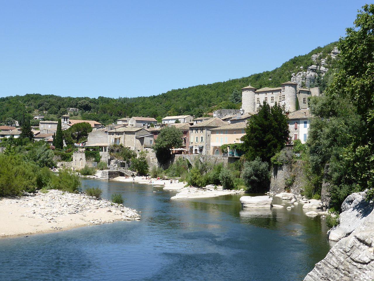 Lieux à découvrir autour de Montélimar : le village de Voguë