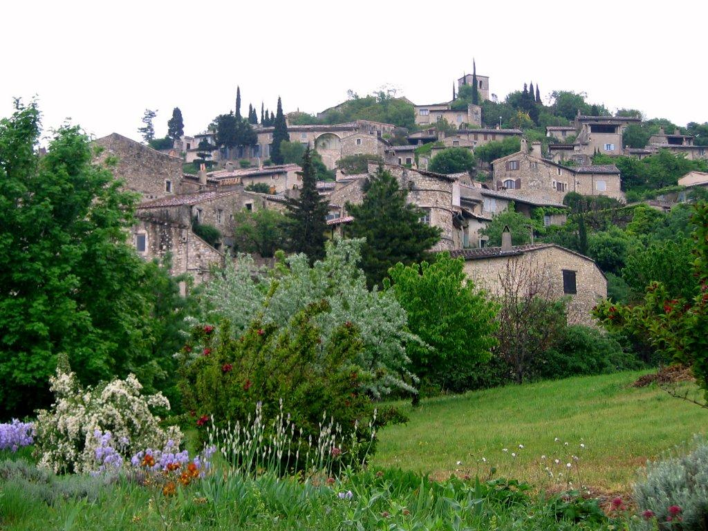 Lieux à découvrir autour de Montélimar : le village de Mirmande