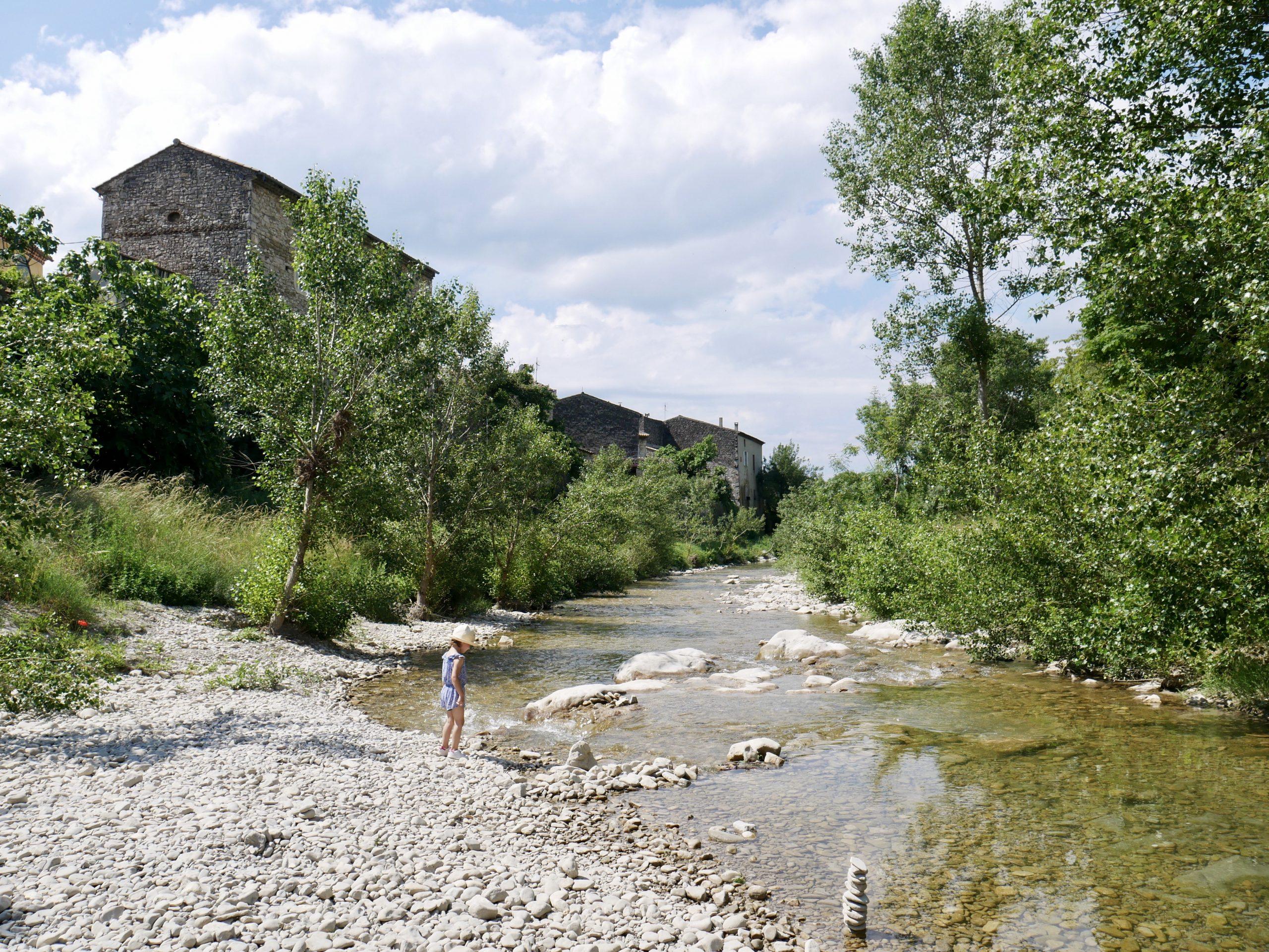 Balade et baignade à Pont-de-Barret en Drôme provençale