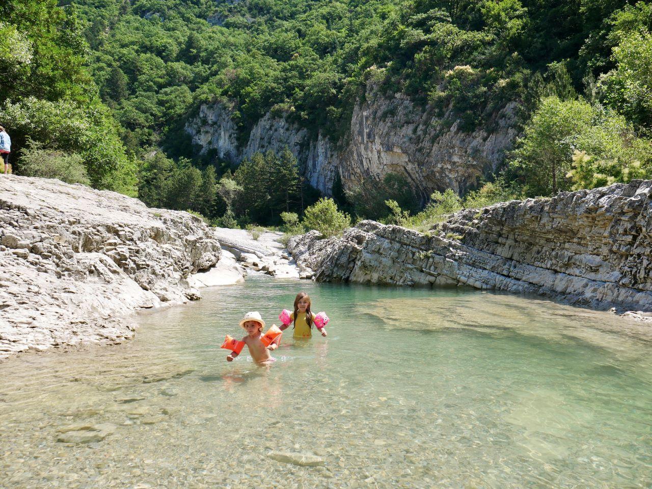 Baignade dans le Roubion à Pont-de-Barret dans la Drôme