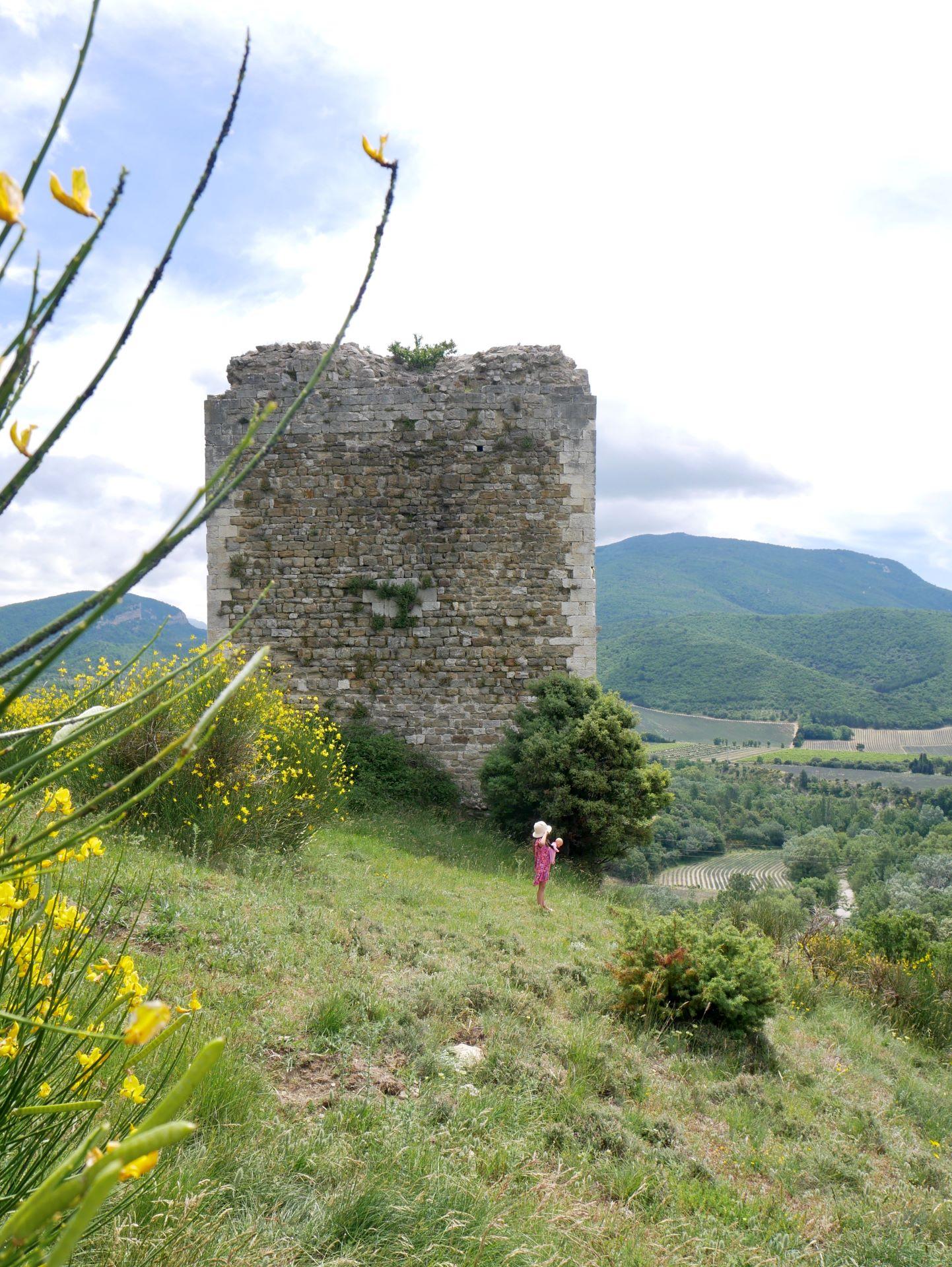 Tour d'Alençon en Drôme provençale