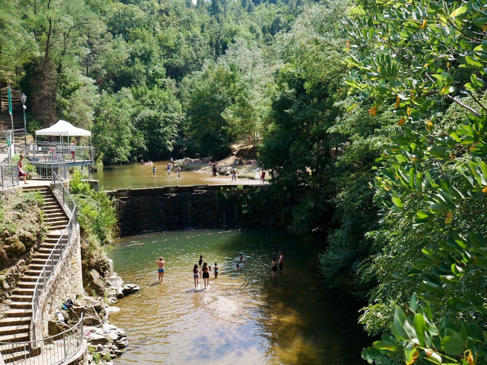 Baignade en Ardèche à Lyas