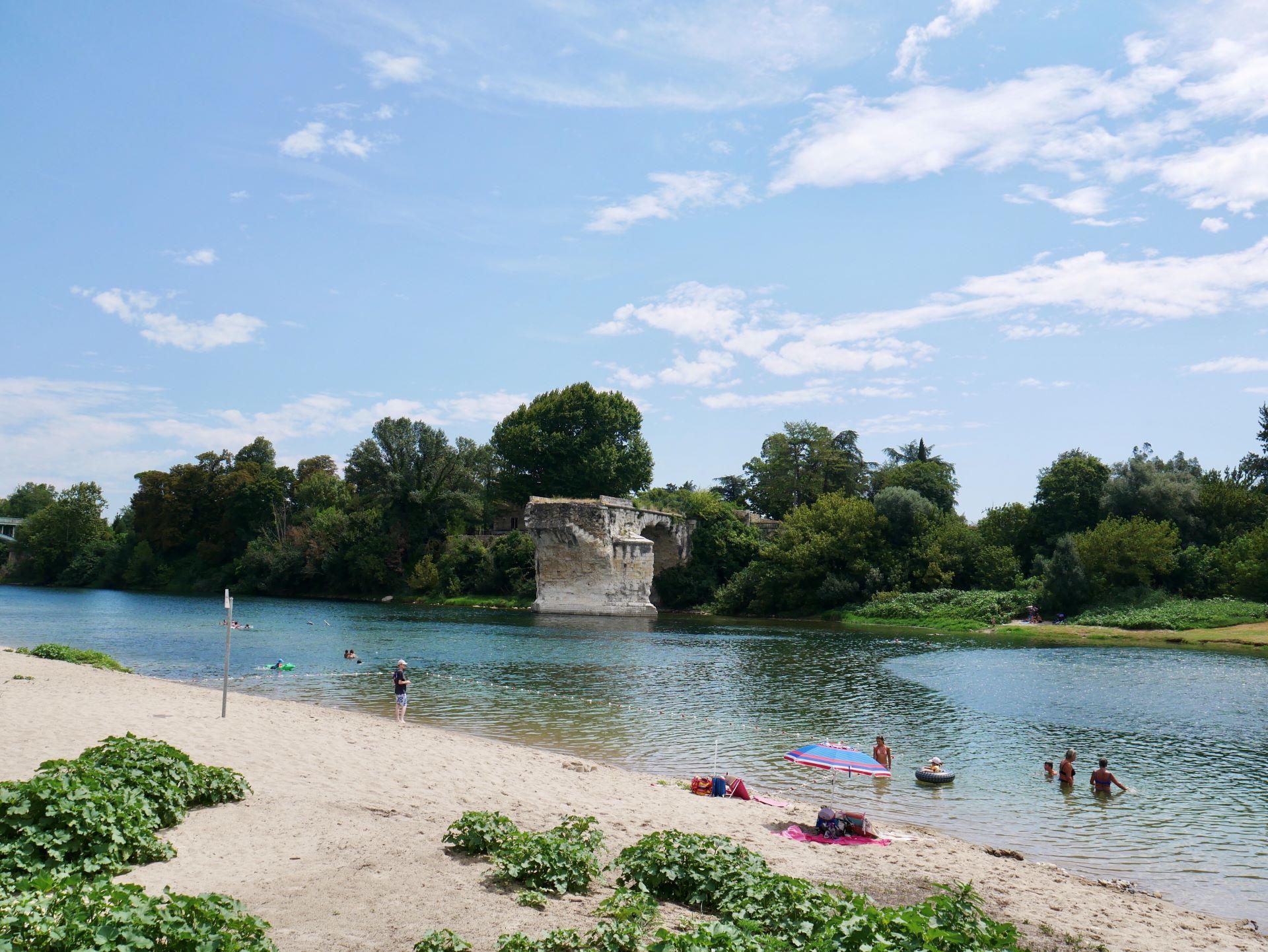 Baignade en Ardèche : plage du pont cassé à Saint Just d'Ardèche