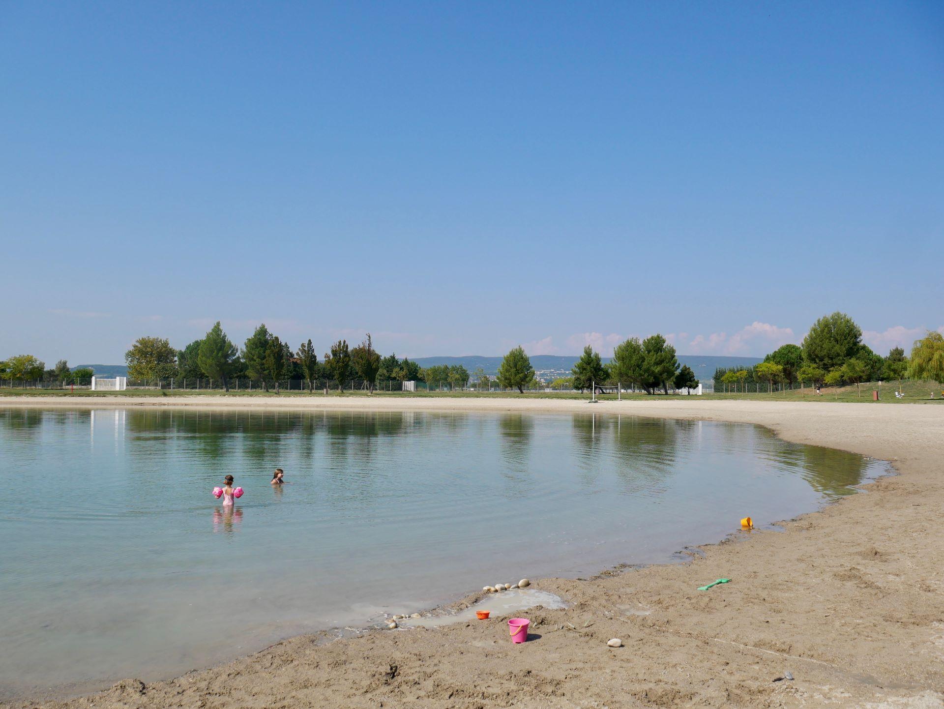 Baignade dans le lac de pignedoré à Pierrelatte