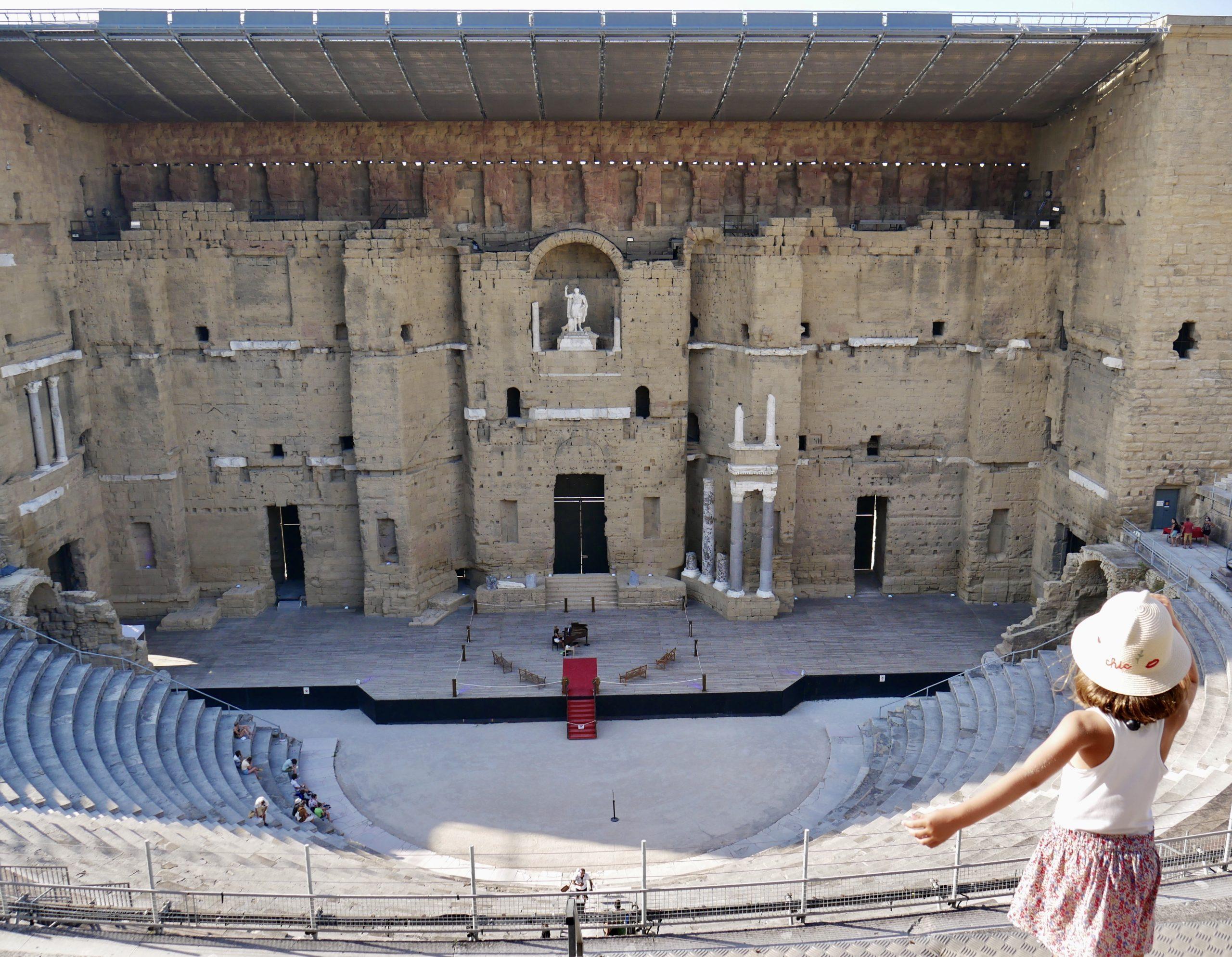 Théâtre antique d'Orange en famille