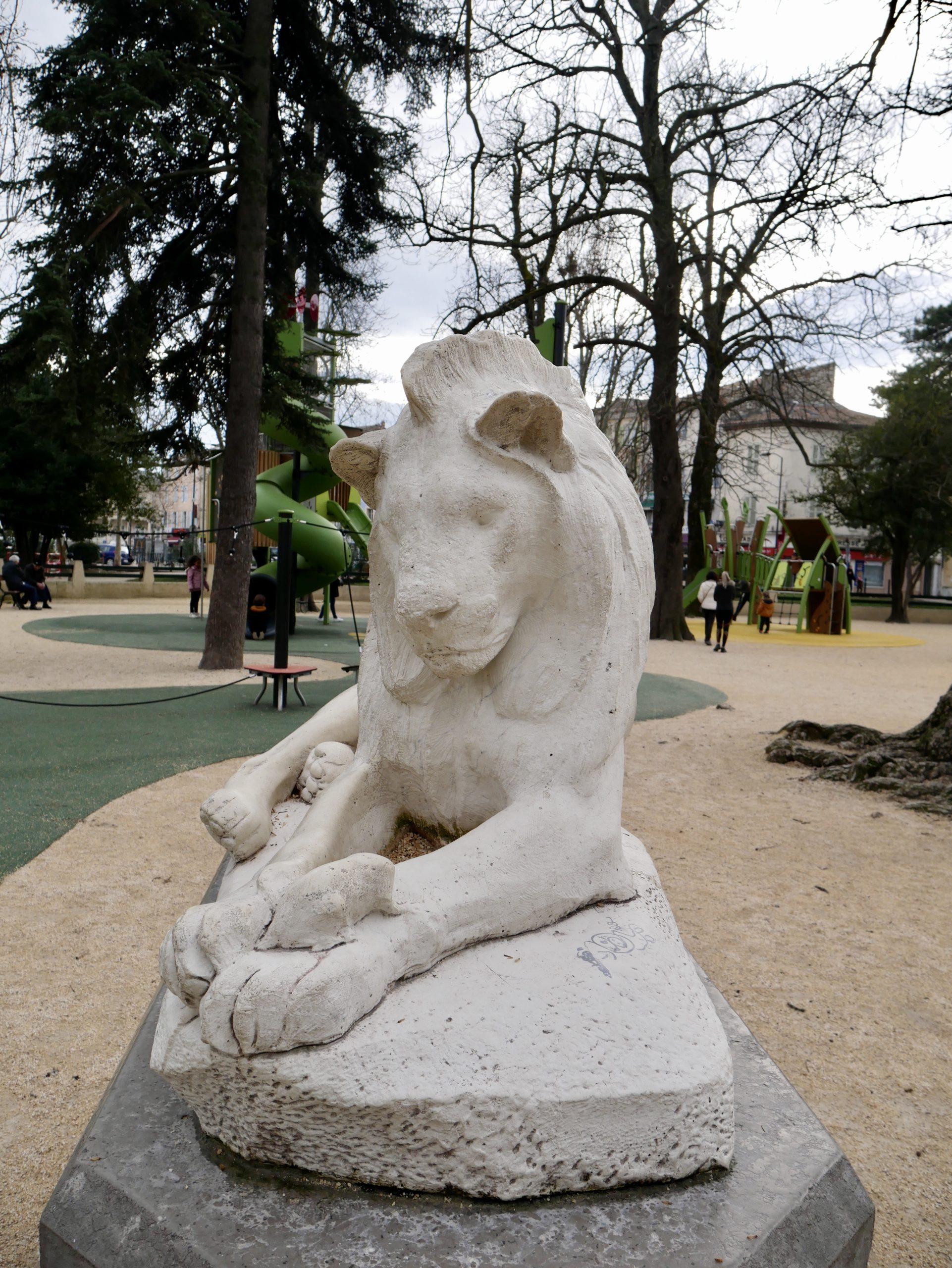 Lion du jardin public de Montélimar