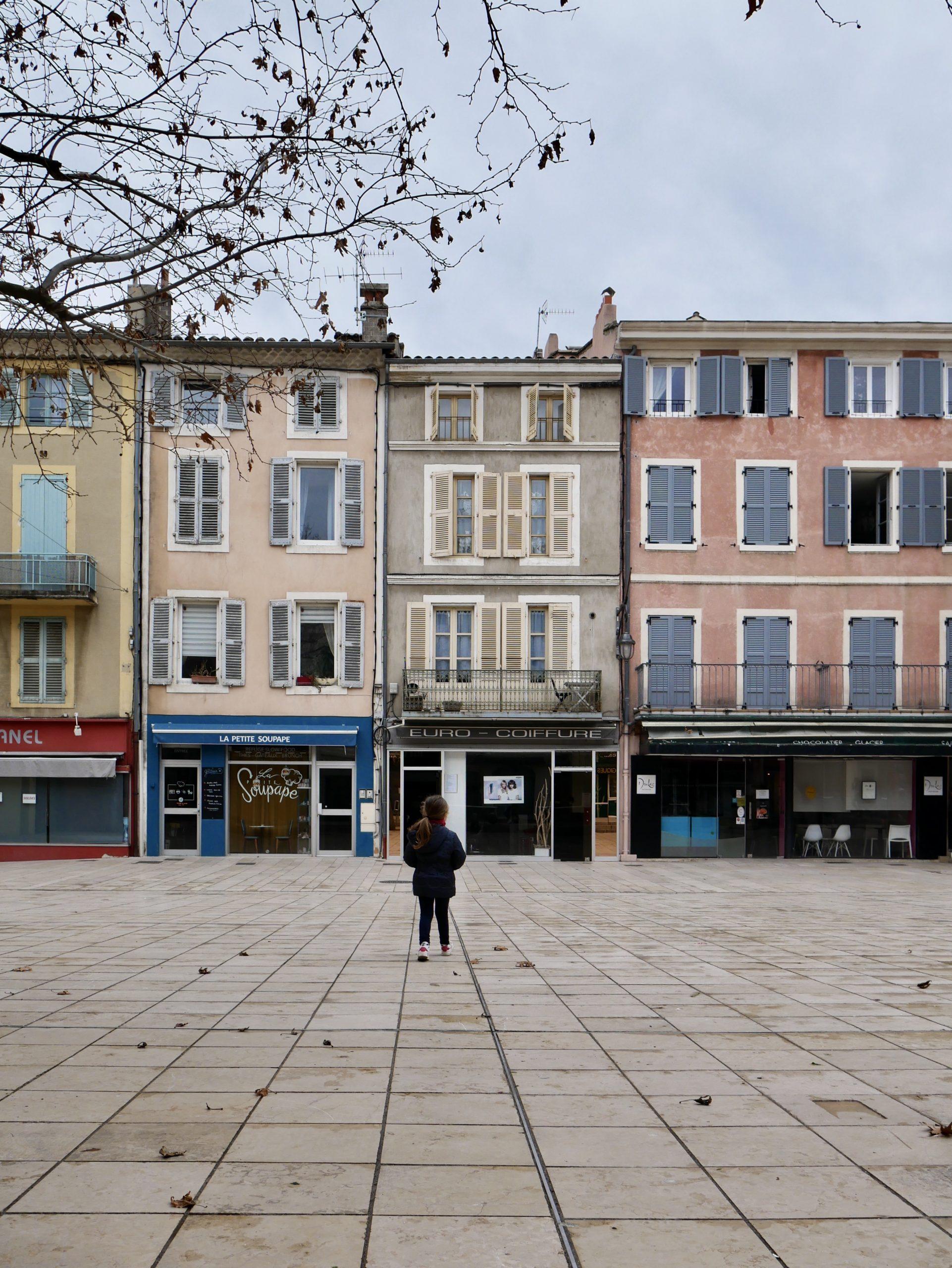 Place du marché de Montélimar