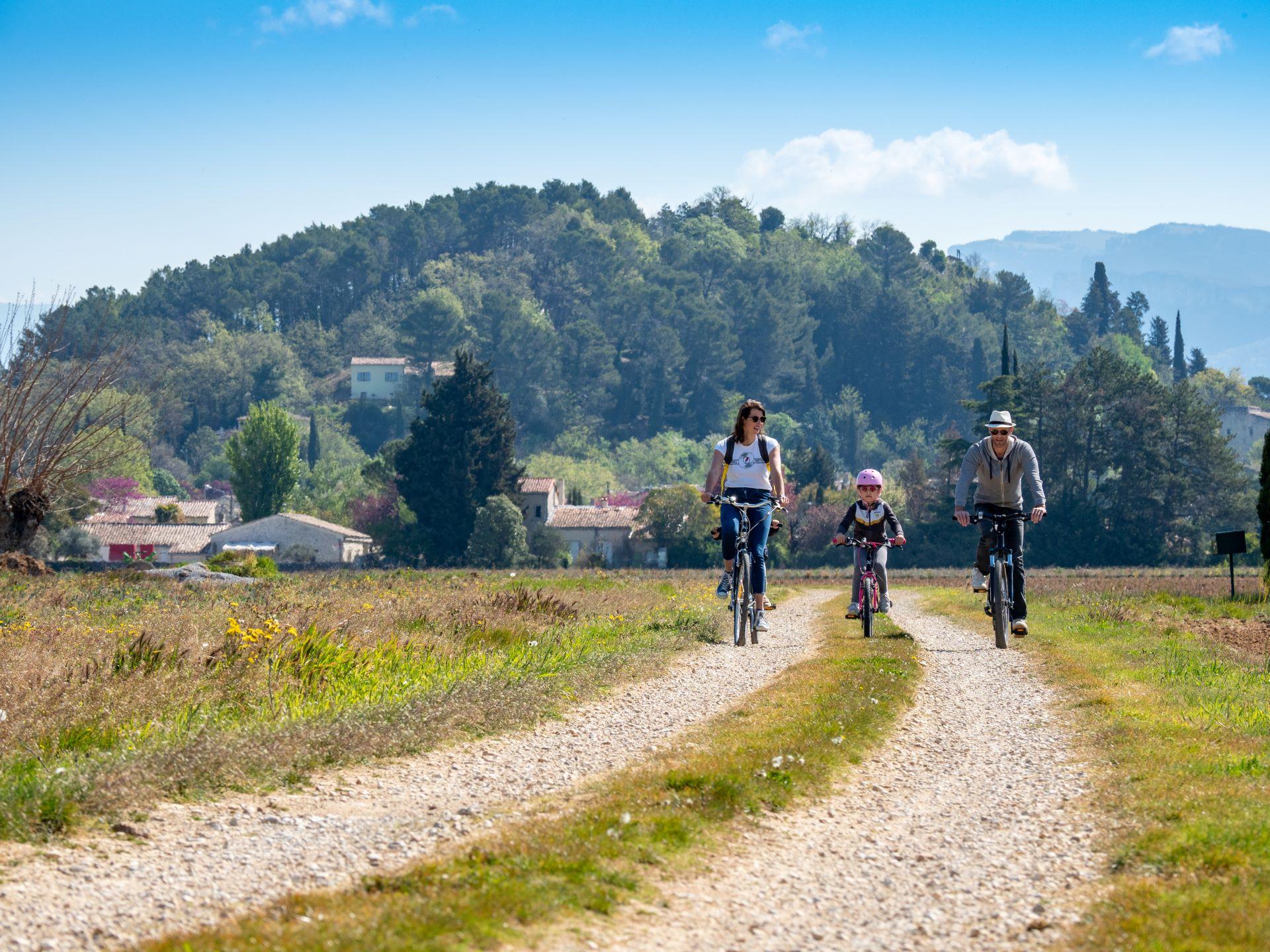 Vélo en Drôme-Ardèche : la Voie verte du Jabron